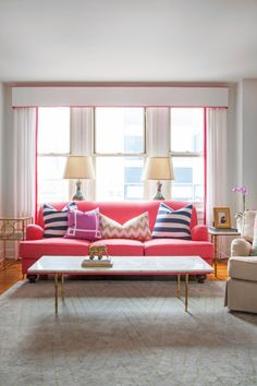 Lovely Pink Sofa Pillows Enhancing Seating Beauty: Pretty Eclectic Living Room Design Interior With Pink Sofa Pillows And Pink Sofa Furnitur. Eclectic Living Room, My Living Room, Home And Living, Living Room Designs, Living Room Decor, Living Spaces, Modern Living, Small Living, Living Area