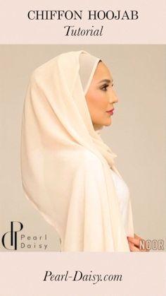 Cream Hijab Tutorial - Amena Khan styles a cream chiffon Hoojab from Muslim Women Fashion, Modern Hijab Fashion, Street Hijab Fashion, Hijab Fashion Inspiration, Fashion Outfits, Mode Turban, Turban Hijab, Hijab Style Tutorial, Stylish Hijab