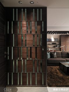 Is Paneling Walls good for Home Improvement? Living Room Partition Design, Room Partition Designs, Home Interior Design, Interior Architecture, Jaali Design, Partition Screen, Cosy Home, Main Gate Design, Space Dividers