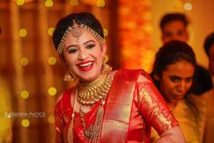 Shopzters is a South Indian wedding site South Indian Wedding Hairstyles, Indian Wedding Poses, Indian Wedding Photography, Indian Hairstyles, Indian Weddings, Bridal Sarees South Indian, Indian Bridal Fashion, South Indian Bride, Red Saree Wedding