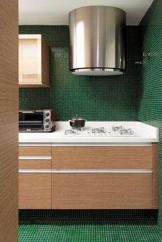 Sfoglia le immagini di Cucina in stile in stile Moderno di DIEGO REVOLLO ARQUITETURA S/S LTDA.. Lasciati ispirare dalle nostre immagini per trovare l'idea perfetta per la tua casa.