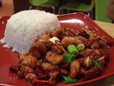There are two things that make a delicious kung pao chicken: roasted peanuts and chili sauce. This recipe has both. Instead of spending money on take-out, heat up the wok and cook this dynamite dish at home. Serve your kung pao chicken with pl Wok Recipes, Asian Recipes, Chicken Recipes, Cooking Recipes, Healthy Recipes, King Pao Chicken Recipe, Kung Pao Sauce Recipe, Pollo Kung Pao, Bon Appetit