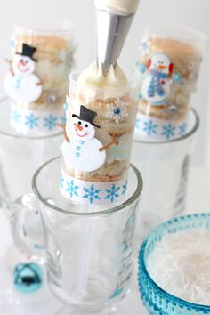 Delicious cake in cute Snowmen Push-Up Pops! RECIPE & HOW-TO