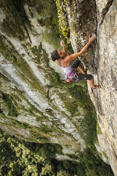 prAna Ambassador Daila Ojeda climbing in Brasil in the Leyla Top $65 and Audrey Knickers $60. Check out Olivia's story and your favorite climbing gear at www.prana.com #climbing #bluesign #travel
