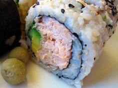 Flaked Organic Salmon, Avocado, & Cucumber Roll, Photo: http://www.thedeliciouslife.com/m-cafe-de-chaya-macro/
