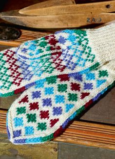 Flotte vanter fra Arne & Carlos - Lilly is Love Fingerless Mittens, Knit Mittens, Mitten Gloves, Knitting Socks, Hand Knitting, Wrist Warmers, Hand Warmers, Tapestry Crochet, Knit Crochet