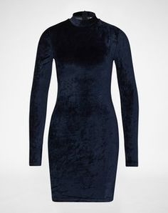 Velvet Dress: 'Nmsissi' from Noisy May. Click on the picture to get the product ♥︎