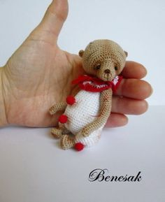 Thread-artist-crochet-miniature-Bear-by-Benesak
