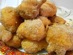"Gustatele nei vari stand in città! In this period in Siena you can taste the wonderful ""frittelle""a typical cake of the San Giuseppe day Portuguese Desserts, Portuguese Recipes, Portuguese Food, Most Effective Diet, Baking Basics, Sicilian Recipes, Donut Recipes, Creative Food, No Bake Desserts"