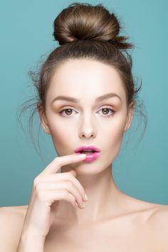 Andrea Pearl by Ruo Bing Li - November 2015 Beauty Skin, Beauty Makeup, Hair Beauty, Poses, Mascara Hacks, Cosmetic Treatments, Photoshoot Makeup, Body Photography, Playing With Hair