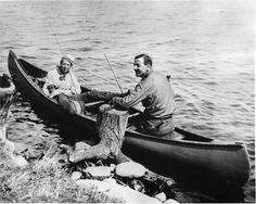 Canadian Group of Seven artists Arthur Lismer and Tom Thompson in canoe, Canoe Lake, Algonquin Park, May 1914 Canadian Painters, Canadian Artists, Canadian People, Group Of Seven Art, Franklin Carmichael, Tom Thomson Paintings, Canadian History, Canadian Culture, Algonquin Park