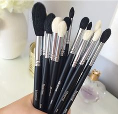 Don't these #Morphe brushes look awesome? Wish they'd lower their shipping rates for personal sales/use (those who buy in mad bulk pay the same rate)... * or change shipping fee according to price of order like VS does. THAT would be fair..