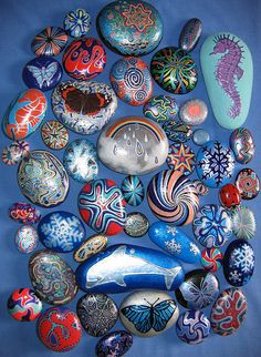 very pretty designs and colors for painted rocks