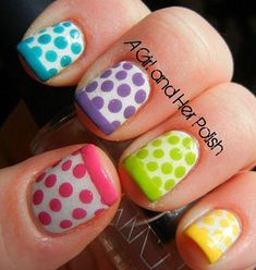 Nail art printanier à pois #nailart #manucure #pois #printemps #couleurs pastel