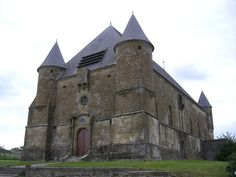 Eglise fortifiée de Saint-Juvin - Attigny. Ardennes