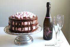 Mansikka-suklaa naked cake