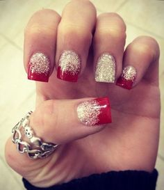 Red and White Glitter Nails Christmas nails Xmas Nails, Holiday Nails, Valentine Nails, Valentines Art, Fancy Nails, Cute Nails, Pretty Nails, Nail Art Noel, White Glitter Nails