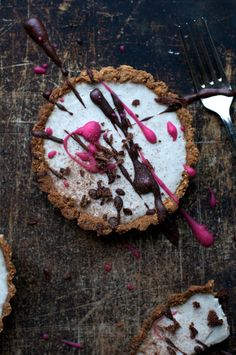 Vegan Custard Vanilla Tart! Birthday! Epic Giveaway! ..all on www.Earthsprout.com
