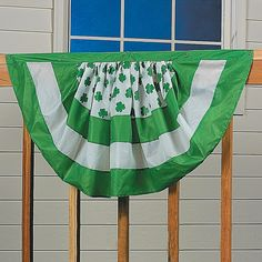 St. Patricks Day Bunting - OrientalTrading.com