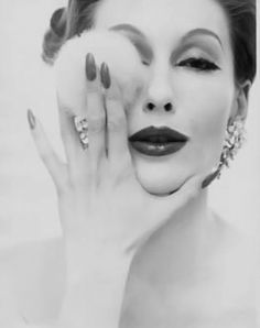 Мэри Джейн Расселл - супермодель 50-х годов.