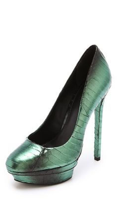 SOURCE: BRIAN ATWOOD / ITEM: Fontanne Iridescent Pumps