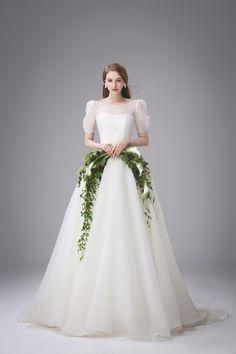 Wedding Dress Sketches, Dream Wedding Dresses, Designer Wedding Dresses, Wedding Gowns, W Dresses, Bridal Dresses, Minimal Wedding Dress, Queen Dress, Boho Outfits