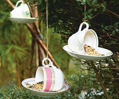 10 super simple DIY bird feeders for spring!Vintage tea cups DIY Bird feeder tutorial - A really quick and easy DIY project idea! Perfect crafts idea for kids.Upcycling Ideas for Plant Markers or Plant Labels