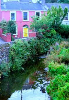 Irelands Kinsale is a Charming Fishing Town That Attracts