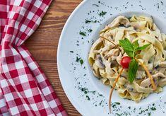 Mushroom and white wine stroganoff pasta! #freshfoodfast