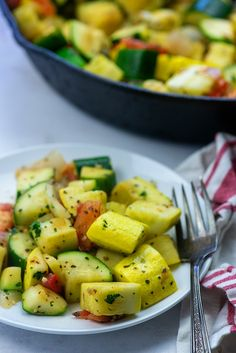 Sauteed Zucchini and Squash - this low carb side dish just tastes like summer and it's ready in about 15 minutes too! #lowcarb #keto #zucchini Low Carb Side Dishes, Healthy Side Dishes, Side Dishes Easy, Sauteed Zucchini Recipes, Sauteed Zucchini And Squash, Chicken To Go, Chicken Zoodle Soup, Baked Chicken Drumsticks, Zucchini Casserole
