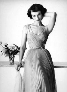 Model Victoria von Hagen 1950's
