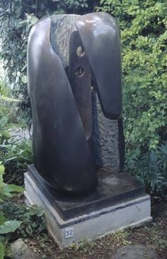 Barbara Hepworth, Hollow Form with Inner Form, 1968