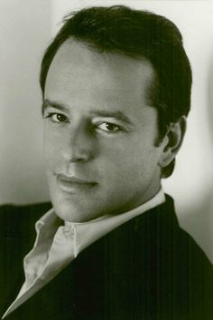 Gil Bellows (June 28, 1967) Canadian actor, o.a. known from Ally MacBeal.