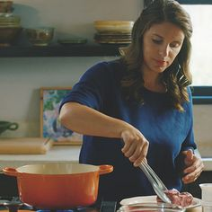 Searing | A Chef's Life - How-To's with Chef Vivian Howard | Le Creuset
