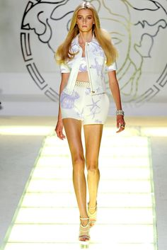Versace Spring 2012 Ready-to-Wear Fashion Show - Sigrid Agren