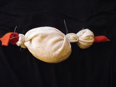 BIZTOSTŰ: Márton napi zokni liba Crafts For Kids, Halloween, Fall, Crafts For Children, Autumn, Kids Arts And Crafts, Fall Season, Kid Crafts, Craft Kids