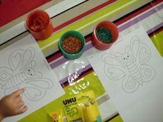 Mams De Deux Bambinos: Papillon colorés avec des pâtes