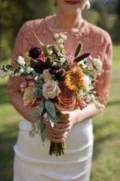 Bouquets de otoño: descubre los colores tendencia de esta estación para ramo de novia Image: 11