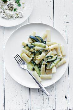 zucchini, mint & ricotta pasta