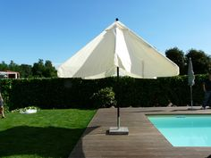 Parasol CALIFORNIA Telescopique 300x300/8 cm au meilleur prix ! - LeKingStore