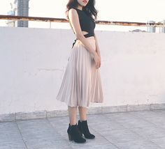 Skirt - Midi Skirt - Croptop