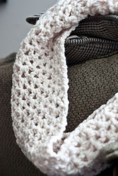 crochet infinity scarf tutorial by imadedinner, via Flickr