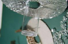 Ik maakte voor het eerst echte Swarovski lampen. Dit is de originele Titanic Lamp. Ik vond de originele lampen uit de film te klein,...