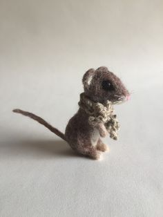 Needle felted mouse by Emma Herian // Sew Recycled