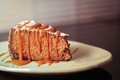 Looking for a fabulous decadent cheesecake recipe made fro scratch? Check out this amazing chocolate caramel cheesecake!