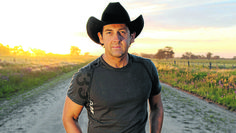 Interview with Lee Kernaghan in Mudgee Guardian (August Australian Icons, Australian People, Country Music Singers, He's Beautiful, Evolution, Interview, Bring It On, Celebrities, August 2014