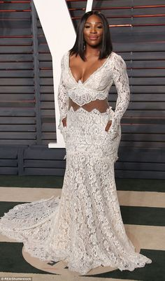 Serena Williams Looks Almost Unrecognizable as She Struts the Oscars Red Carpet in a Dramatic Dress - Wedding Digest Naija