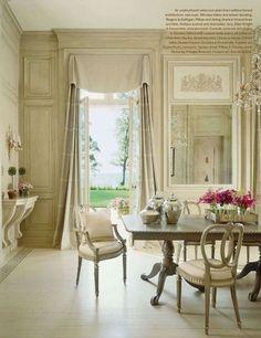A Divine Dining Room. Interior Designer: Mary Douglas Drysdale http://www.sarahsarna.com/monochromatic-dining-room/
