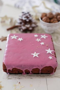 Fräulein Klein: gingerbread tree • Cranberry Gingerbread slices with Cranberry Glaze