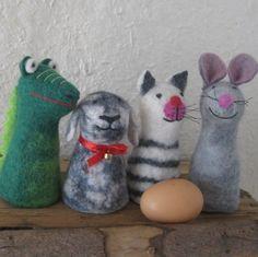 Eierwärmer, gefilzt, Maus, Hund, 12x6cm von INSPIRED BY NATURE auf DaWanda.com